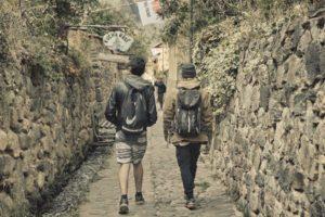 Caminando en las ruinas de Ollantaytambo