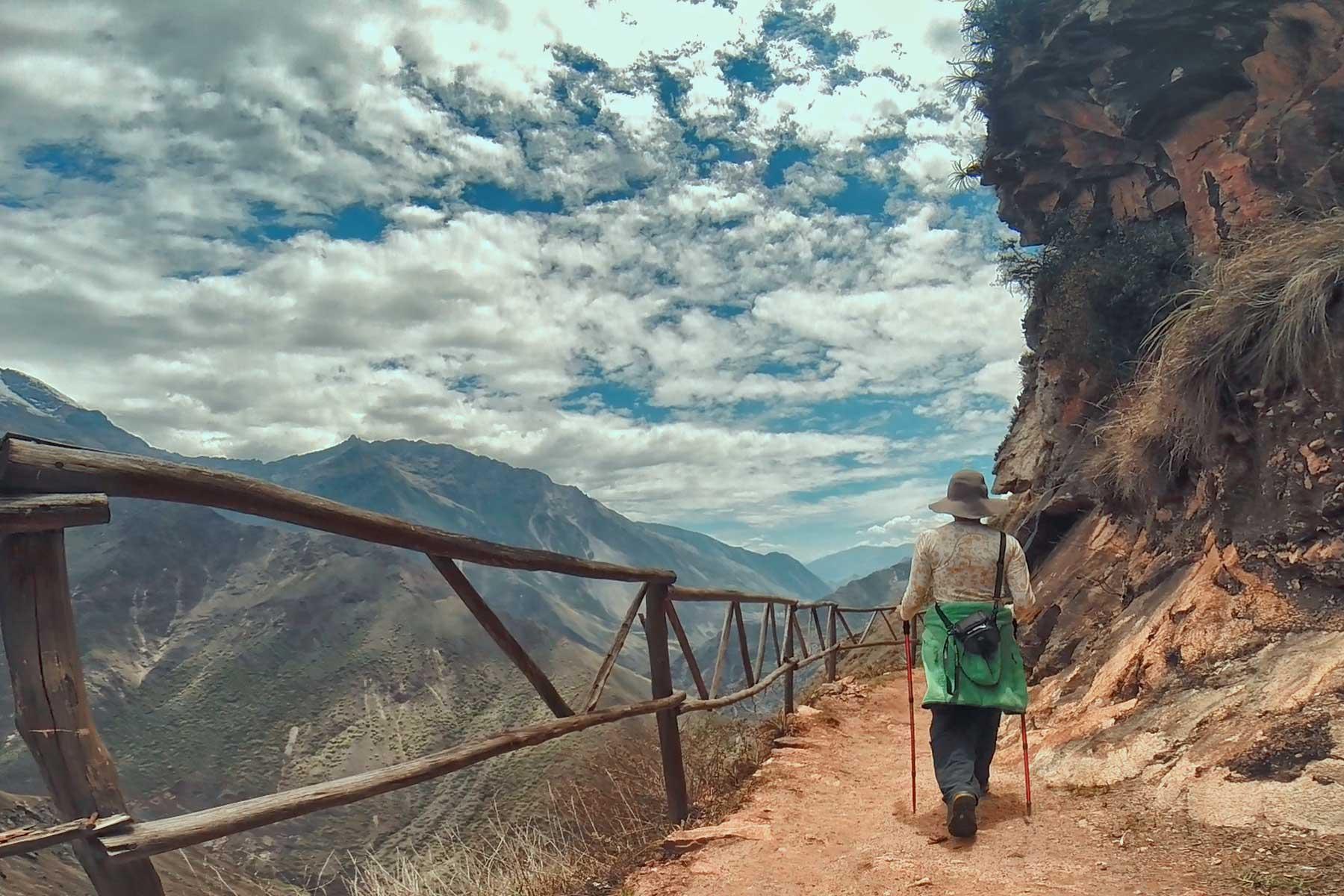 Caminata para llegar a Choquequirao