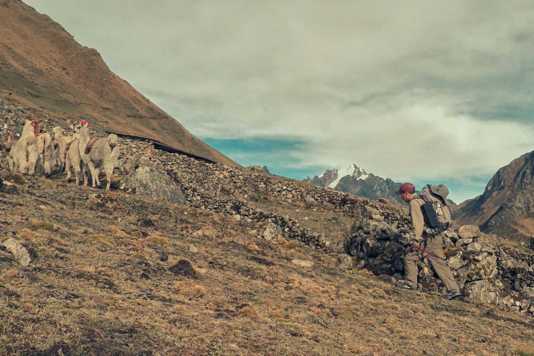Machu Picchu por el valle de Lares