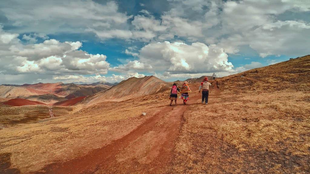 montaña de colores palcoyo