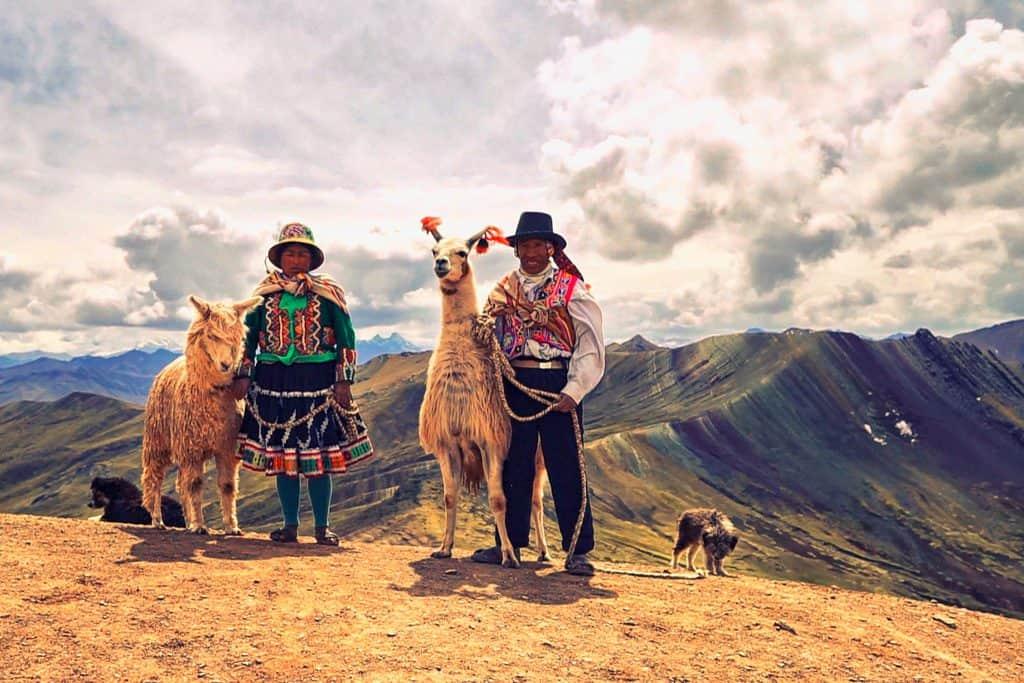 Donde queda la montaña de colores Palcoyo